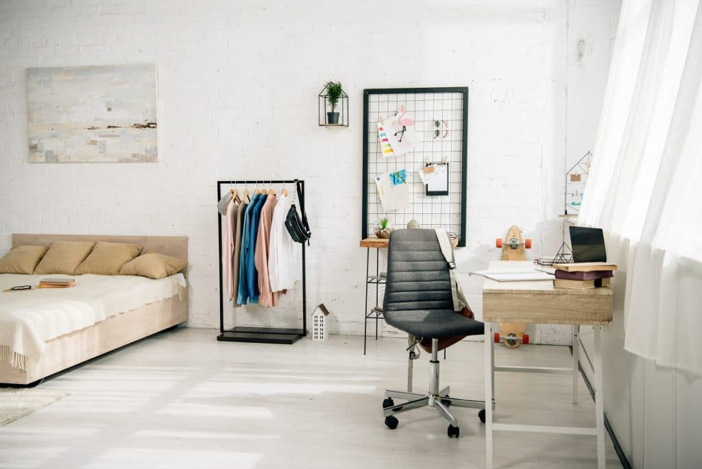 turning bedroom into office featured image