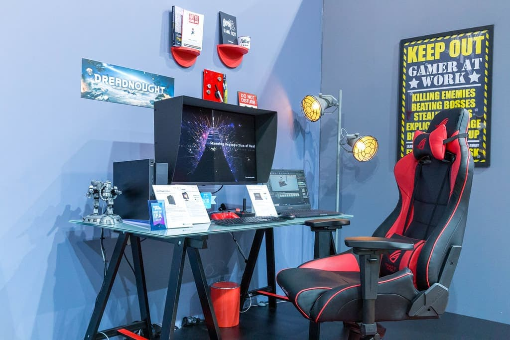 what is the difference between a gaming desk and a regular desk featured image