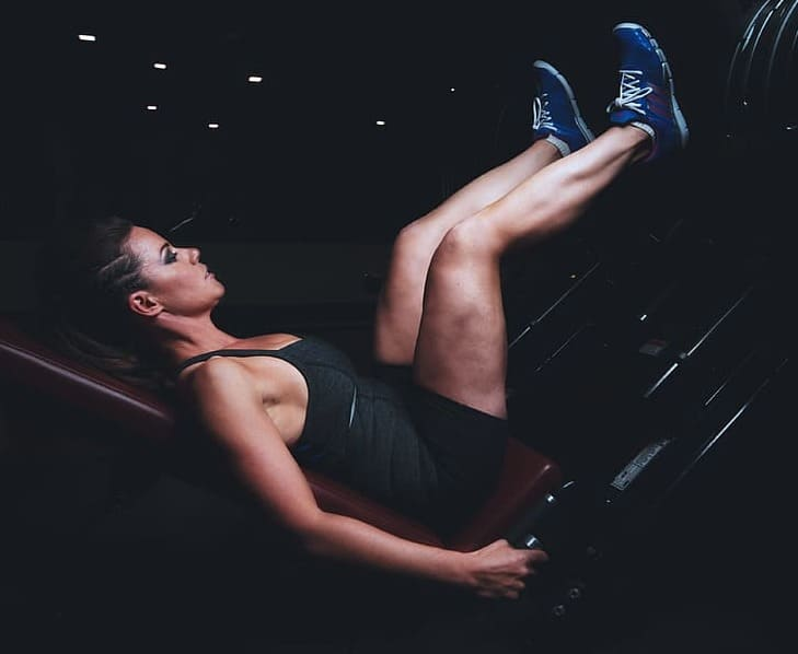 woman doing legpress excercise